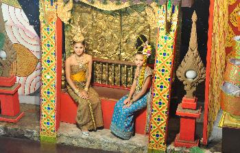 Zoom Traditionelle Kleidung Thailand
