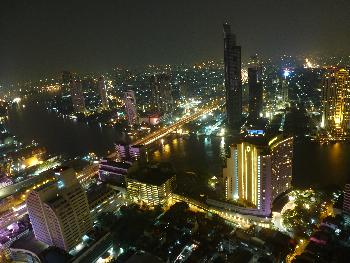 Sensationelle Ausblicke vom Maha Nakhon Tower Skywalk - Bangkok