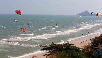 Kitesurfing at Hua Hin Beach - Hua Hin / Cha Am Video
