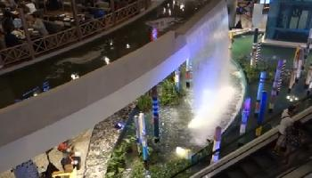 Bluport Hua Hin Shopping Mall - Hua Hin / Cha Am Video