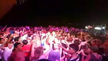Samstags abends Party am Ark Bar Beach - Koh Samui Video