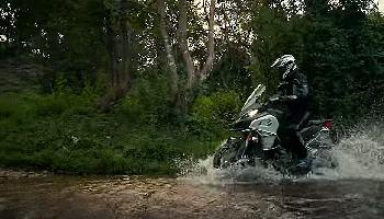 Start Video Mit der Enduro durch den Dschungel Sport + Spass