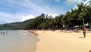 Start Video Kamala Beach Phuket in der Saison Baden + Strand