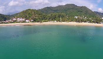 Start Video Entlang des Karon Beach Phuket Baden + Strand