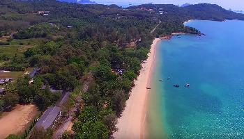 Flug über den Klong Muang Beach - Krabi Video