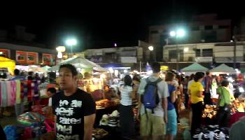 Start Video Walking Street Night Market Krabi Town Essen + Trinken