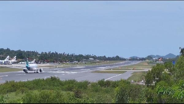 Play Live Webcam Landebahn Koh Samui Airport